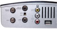 Conexões traseiras no DigiTV. Note a porta USB, para atualização do firmware