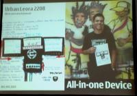 No Jacarezinho: morador quer celular multimídia