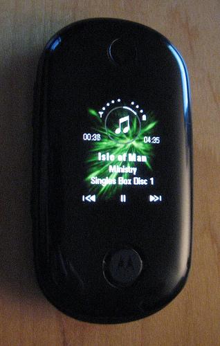 tela da frente sensivel ao toque para controlar músicas