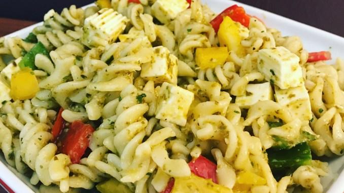 Sommerlicher Pesto Nudelsalat