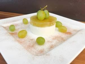 Serviervorschlag Marsala Weintrauben auf Quark Creme