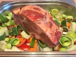 Saftiger Kassler Schweinenacken Braten aus dem Ofen Zubereitung
