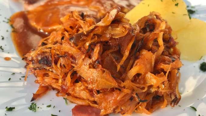 Geschmortes BBQ Sauerkraut mit Bacon