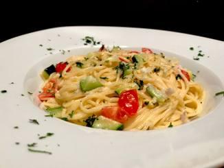 Spaghetti in einer Käse Zucchini Soße