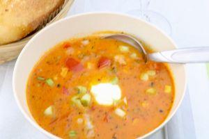 Partysuppe Scharfe Ajvar Suppe mit Hackfleisch einfach und lecker