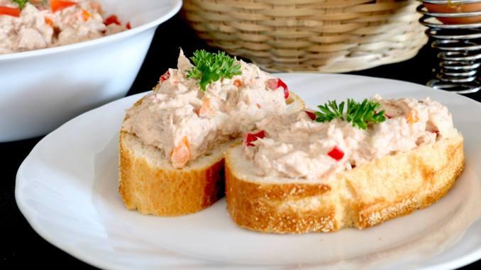 Serviervorschlag Thunfisch Salat mit Paprika
