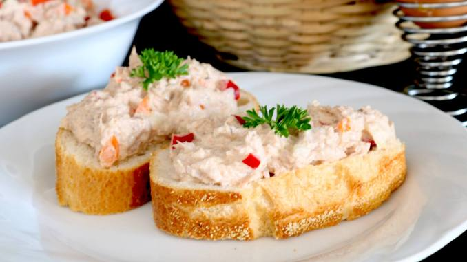 Zubereitung Thunfisch Salat mit Paprika
