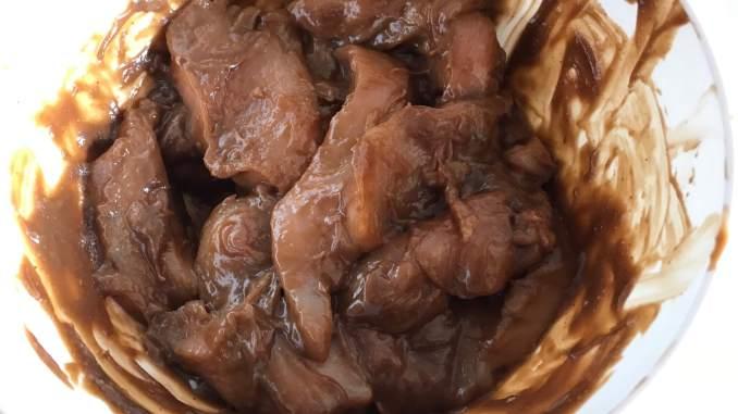 Marinierte Erdnuss Hähnchen