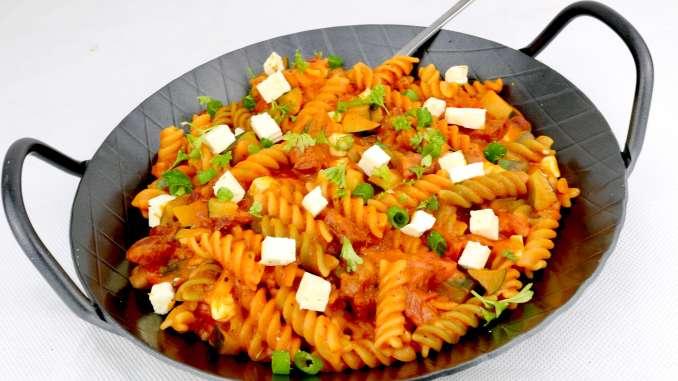 Feierabend Rezept Herzhafte Sucuk Zucchini Nudel Pfanne