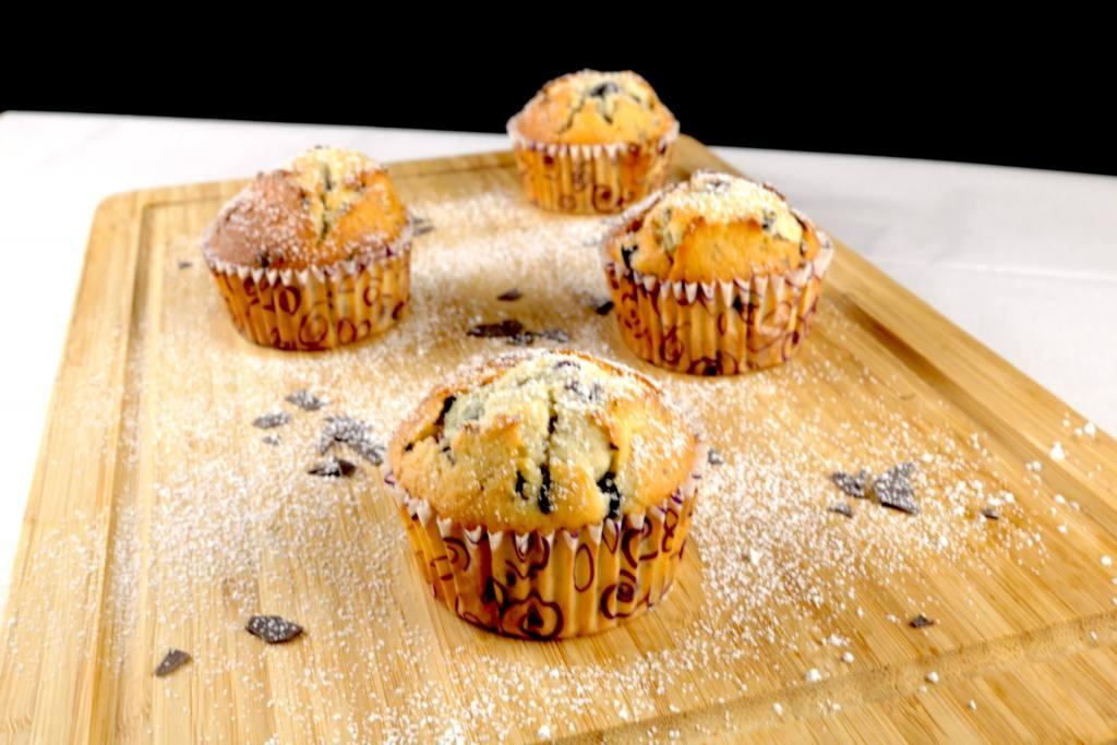 Blaubeeren Muffins mit Schokoladen Raspeln Rezept