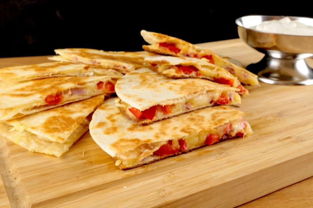 Serviervorschlag Käse Quesadillas mit Paprika