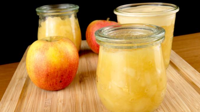 Omas einfaches Apfelmus Rezept