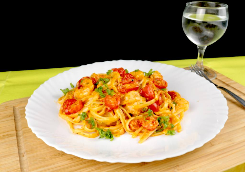 Serviervorschlag Mediterrane Pasta mit Garnelen