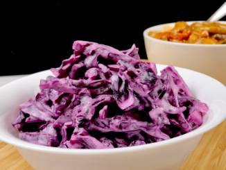 Rotkohlsalat mit Saurer Sahne