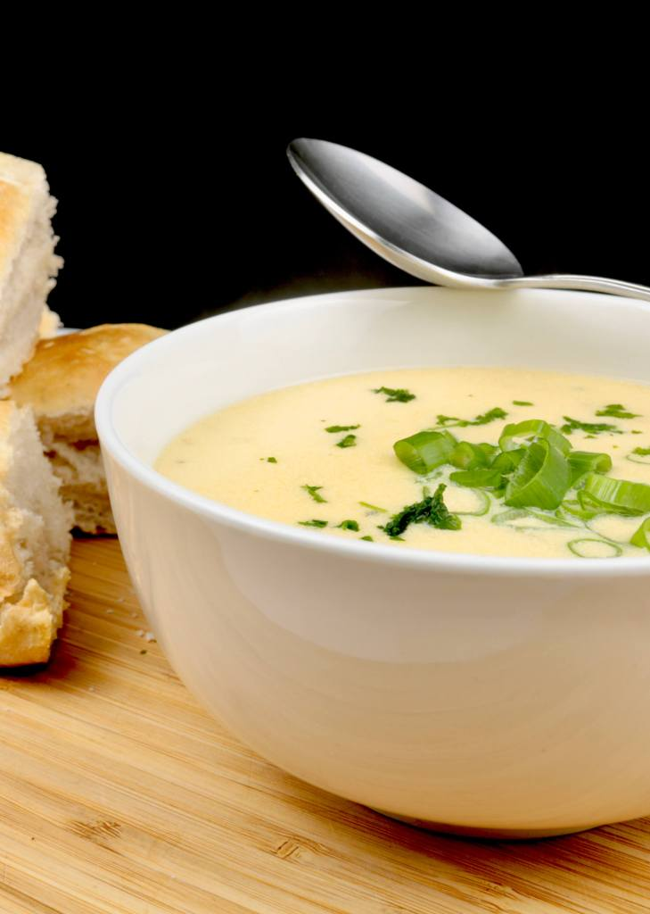 Serviervorschlag Knoblauch Parmesan Suppe