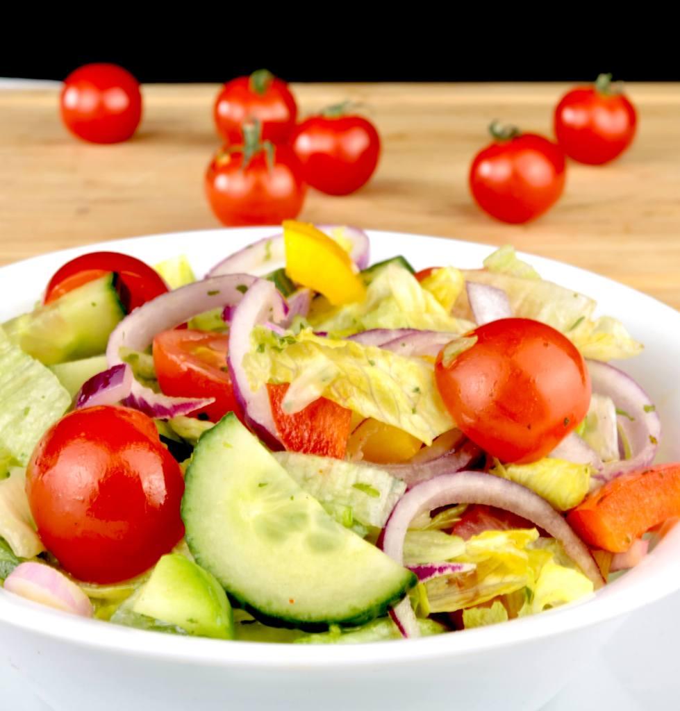 Zubereitung Grill Beilagen Salat mit Kräuter Dressing