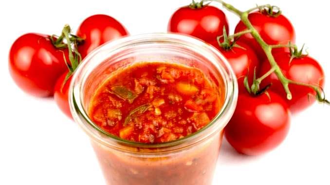 Salsa Roja ein scharfer mexikanischer Dip