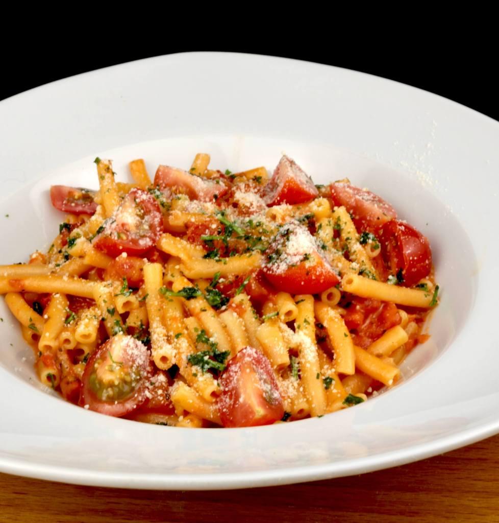 Serviervorschlag One Pot Pasta mit Makkaroni