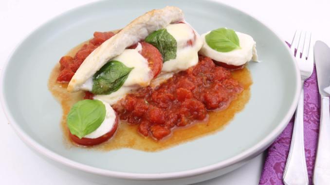 Tomaten Mozzarella Hähnchenbrust