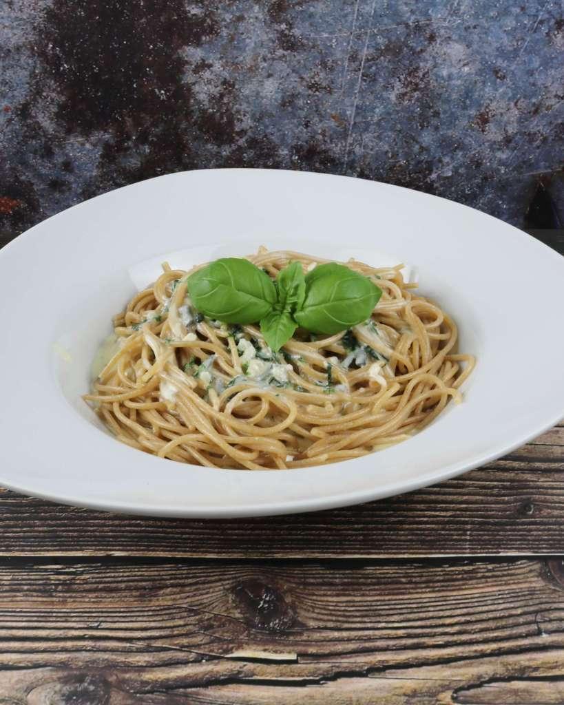Zubereitung Vollkorn Spaghetti mit Gorgonzola Sauce