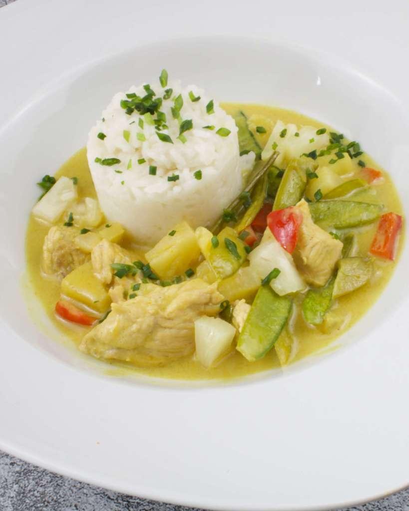 Serviervorschlag Grünes Thai Curry mit Putenfleisch