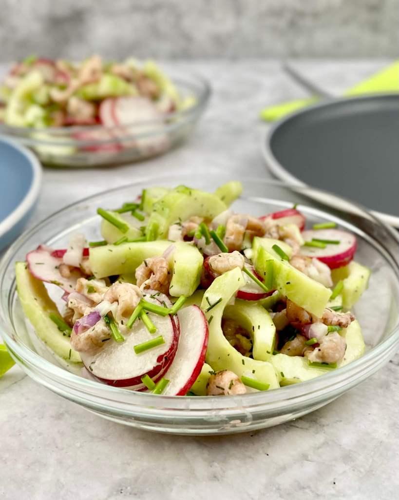 Serviervorschlag Krabben Gurkensalat