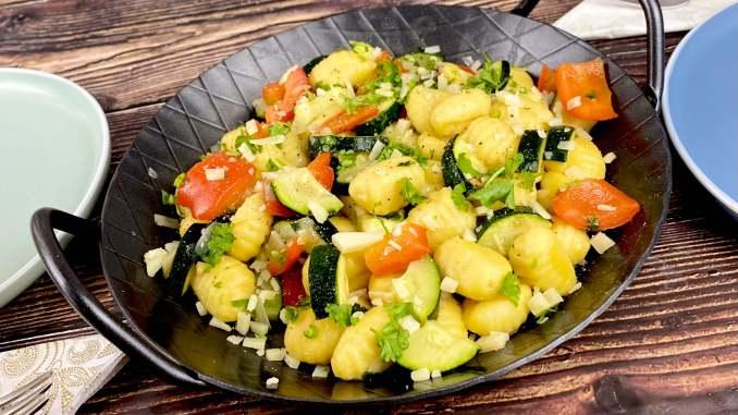 Gnocchi Pfanne mit Paprika und Zucchini