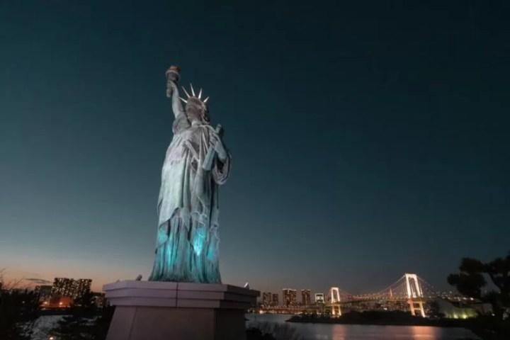 お台場の夜景、レインボーブリッジと自由の女神像!