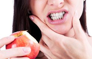 Свело челюсть слева что делать. Почему сводит нижнюю челюсть — читать. Деминерализация эмали и неправильное питание
