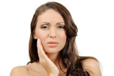 Зуб реагирует на горячее что делать и какие меры стоит принять