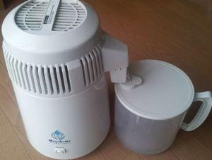 蒸留水器とプラ容器