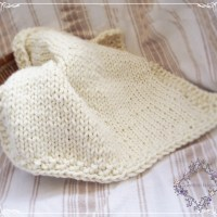 Free knitting pattern for a simple chunky baby blanket