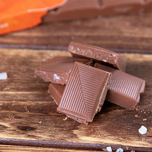 """Xylit-Schokolade mit Salz und Karamell (""""Xalty Xaramel"""") 100 gr. Tafel. Vollmilch Schokolade ohne Zucker kaufen. Zuckerfreie Schokolade kaufen. Xukkolade kaufen."""