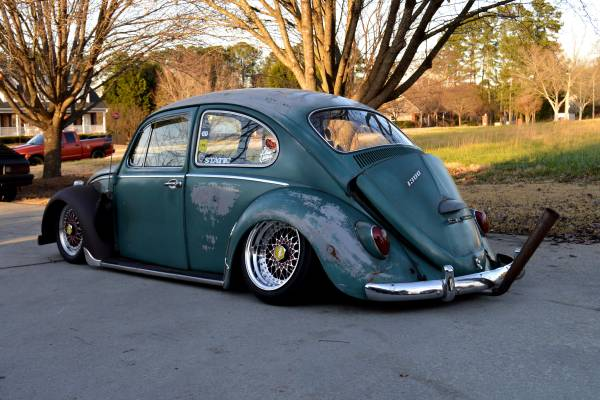 Ugly slammed Beetle with horrible camber and a stinger