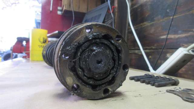 1979 VW Beetle - Drive Side Axle - Wheel CV Joint Grease
