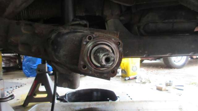 1979 VW Beetle - Bearing Hub and Stub Axle