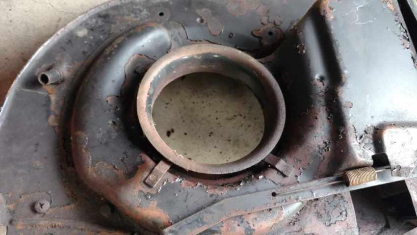 VW Beetle - 1975-1979 Venturi ring on fan shroud