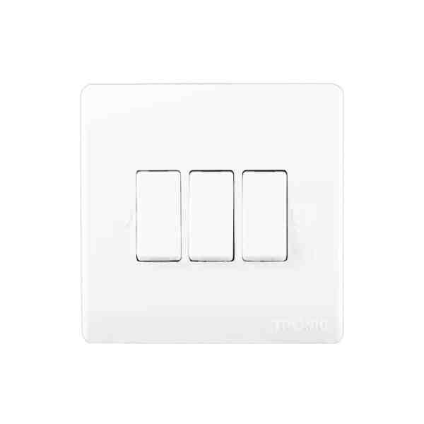 TR5132 1 - Tronic 3Gang 2Way Switch