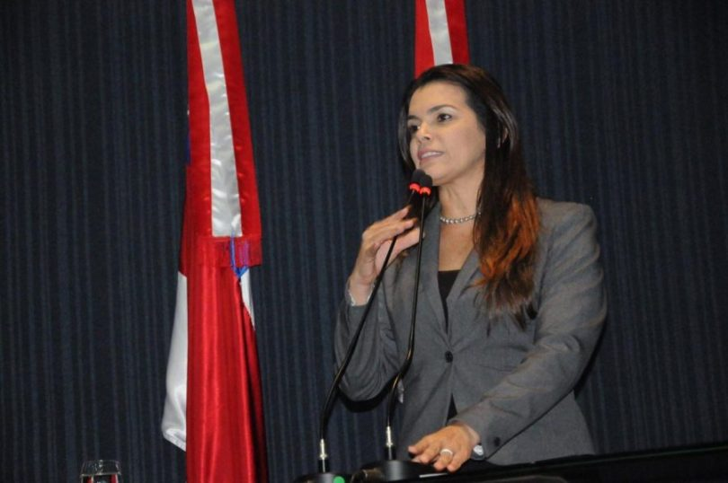 Alessandra Campêlo
