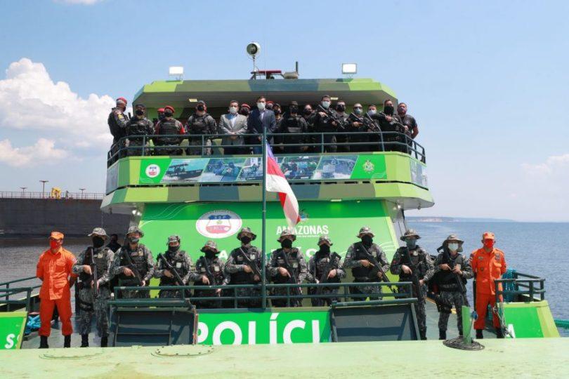 Governador também entregou sistema de radiocomunicação que vai otimizar atuação policial em sete municípios. | Foto: Diego Peres