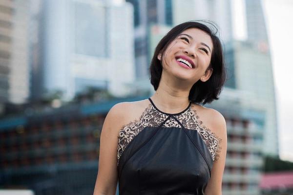 singaporean-girl-bosses-pocket-sun