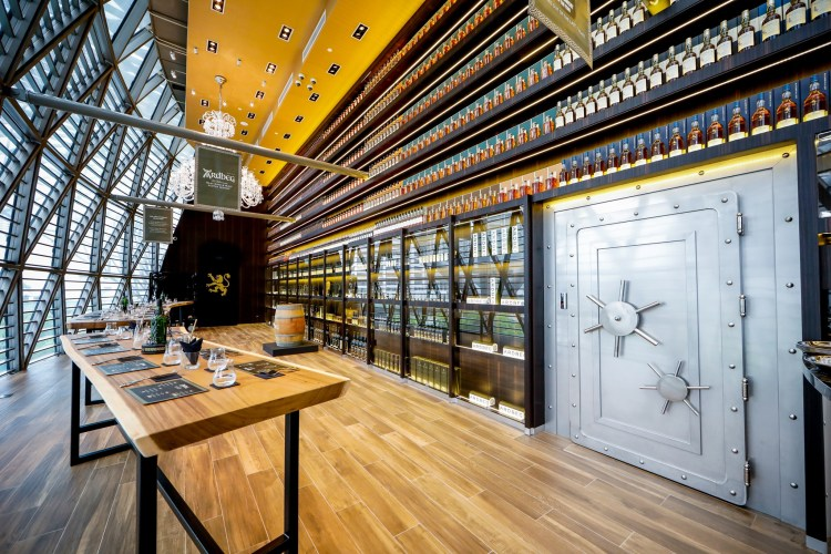 grande whisky collection vault