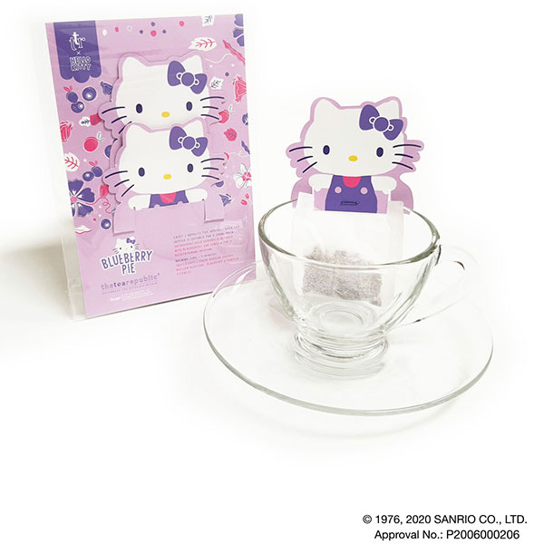 hello kitty tea blueberry pie