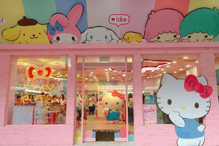sanrio-7-eleven-main-store-entrance