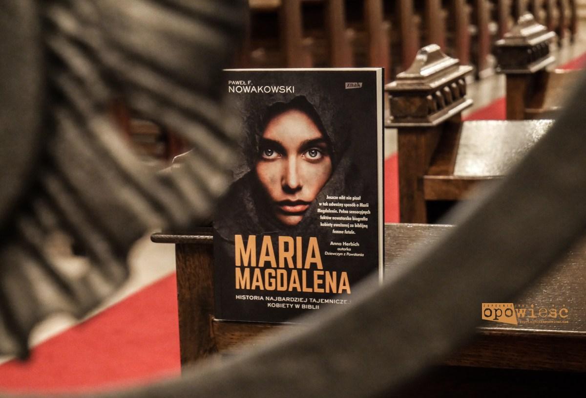 Kobieta wygumkowana z kart ewangelii | Paweł F. Nowakowski, Maria Magdalena