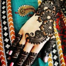 latest mehandi designs 2014 34