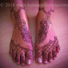 Mehndi design by Karuna 13