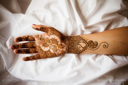 Mehndi design by Karuna 17