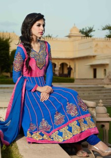 Hairstyles to wear with Pakistani salwar kameez 08