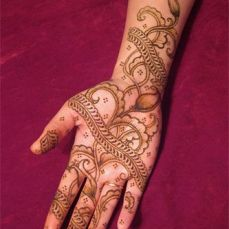 mehndi design for the summer bride 21